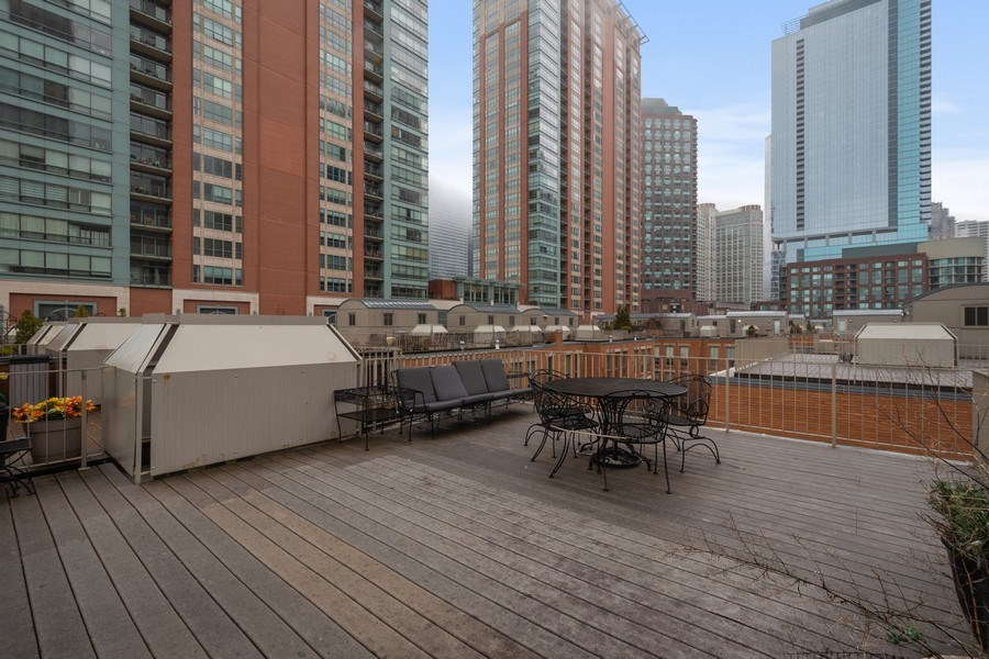 Real Estate Photography - 456 E North Water St, Chicago, IL, 60611 - Roof Deck