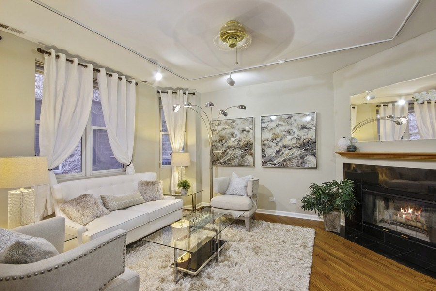 Real Estate Photography - 2851 Southport Ave., A, Chicago, IL, 60657 - Living Room