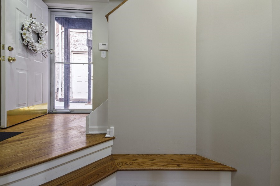 Real Estate Photography - 2851 Southport Ave., A, Chicago, IL, 60657 - Entryway