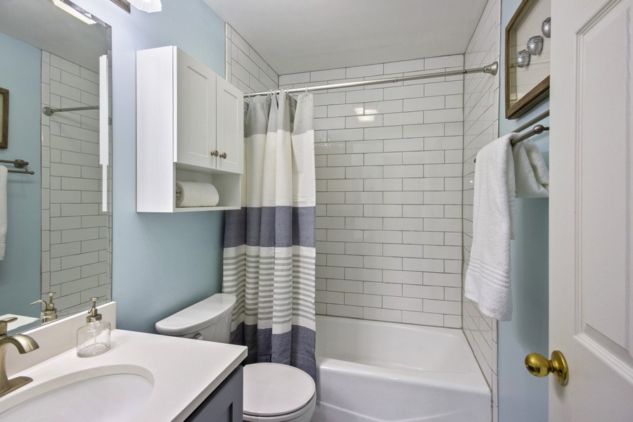 Real Estate Photography - 2851 Southport Ave., A, Chicago, IL, 60657 - 2nd Bathroom