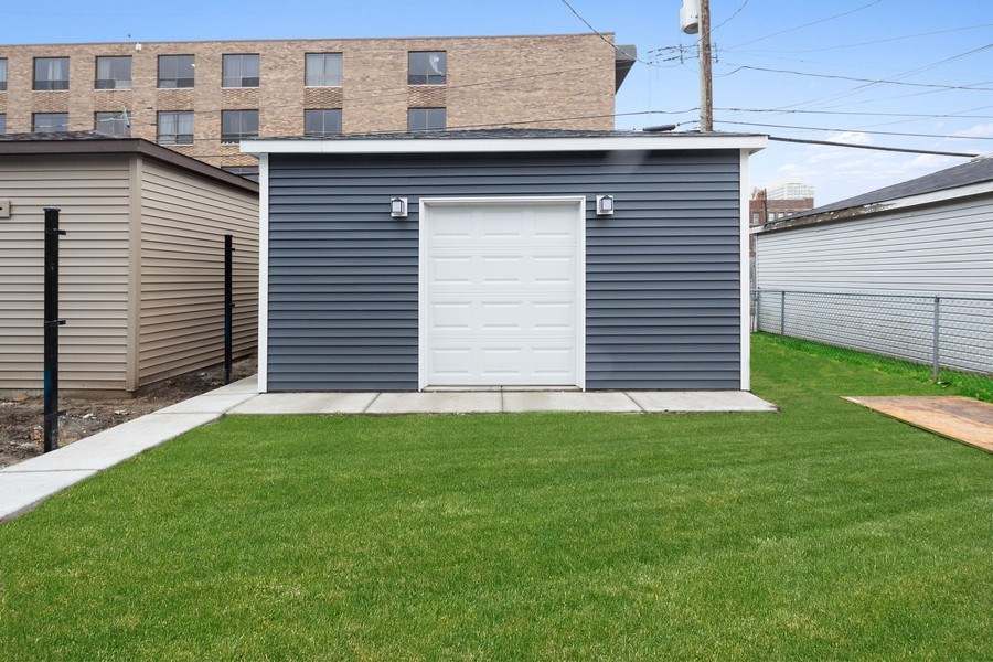 Real Estate Photography - 3521 S Prairie avenue, Chicago, IL, 60653 - Back Yard