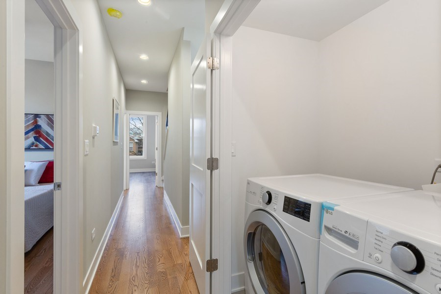 Real Estate Photography - 3521 S Prairie avenue, Chicago, IL, 60653 - Laundry Room
