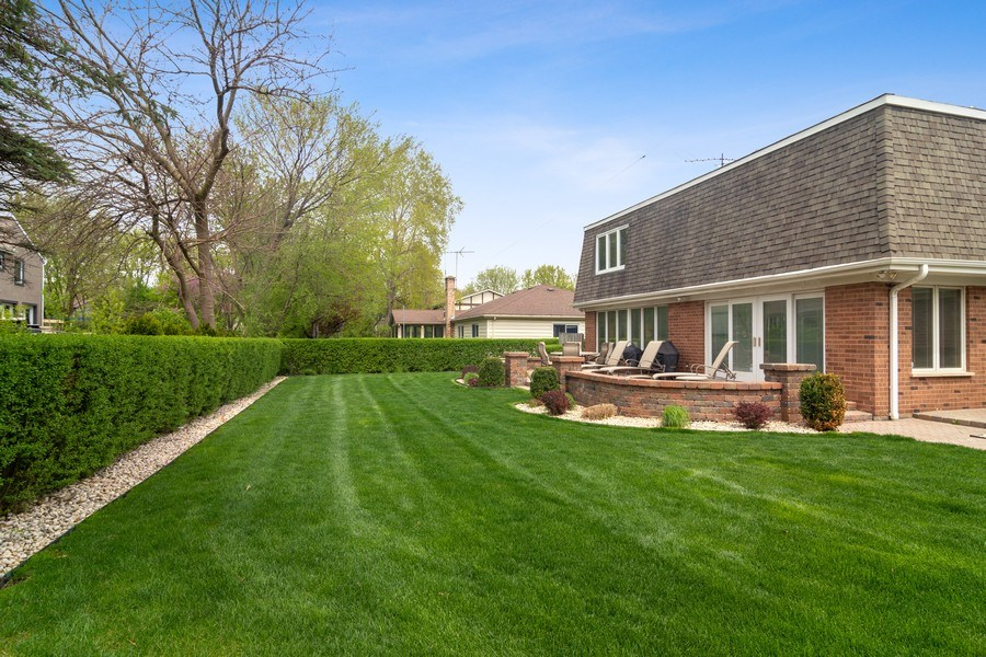 Real Estate Photography - 222 Fairview Ave, Deerfield, IL, 60015 - Side View
