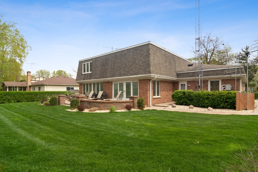 Real Estate Photography - 222 Fairview Ave, Deerfield, IL, 60015 - Rear View