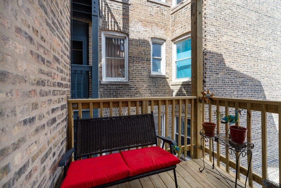 Real Estate Photography - 4639 N. Central Park, 2N, Chicago, IL, 60625 - Deck