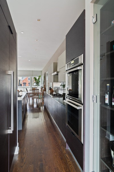 Real Estate Photography - 1613 N Honore, Chicago, IL, 60622 - Kitchen