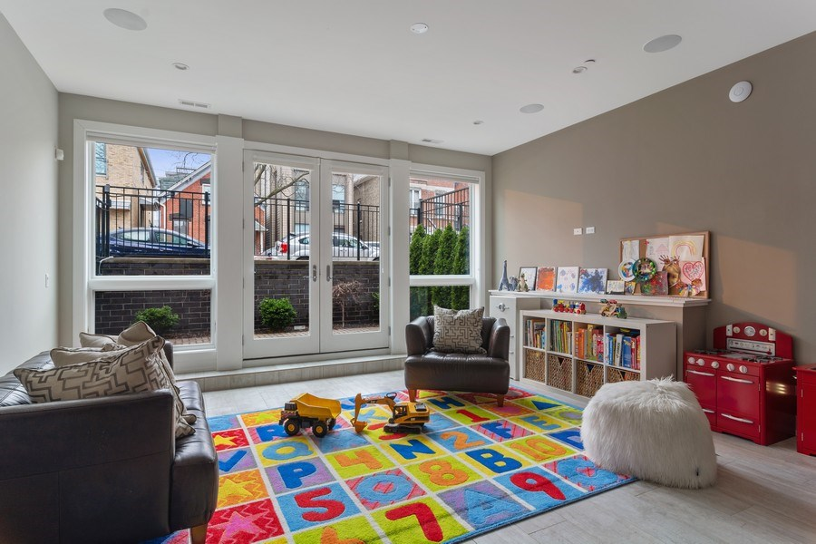 Real Estate Photography - 1613 N Honore, Chicago, IL, 60622 - Recreational Room