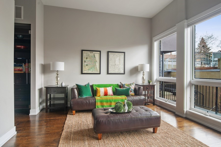 Real Estate Photography - 1613 N Honore, Chicago, IL, 60622 - Family Room