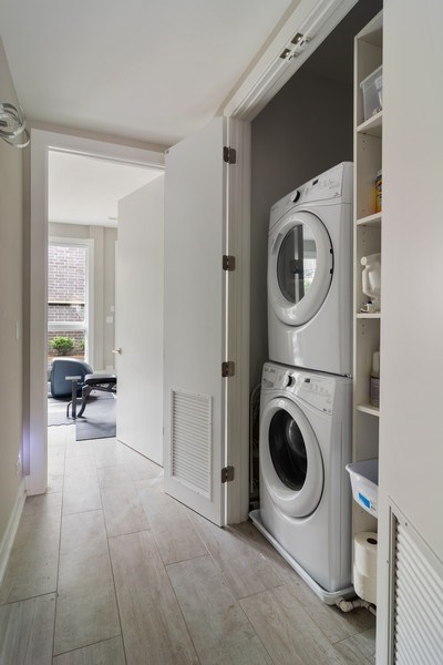 Real Estate Photography - 1613 N Honore, Chicago, IL, 60622 - Laundry Room