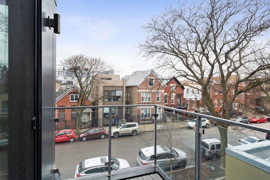 Real Estate Photography - 1613 N Honore, Chicago, IL, 60622 - Deck