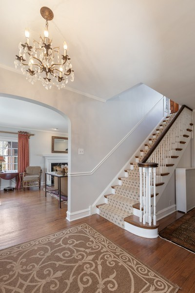Real Estate Photography - 1942 Thornwood Ave, Wilmette, IL, 60091 - Staircase