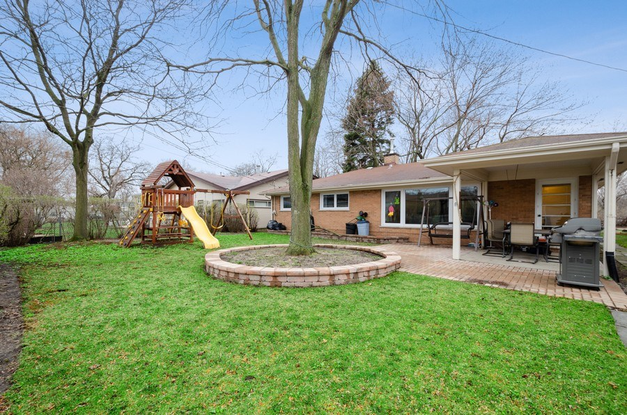 Real Estate Photography - 8039 Parkside, Morton Grove, IL, 60053 - Back Yard