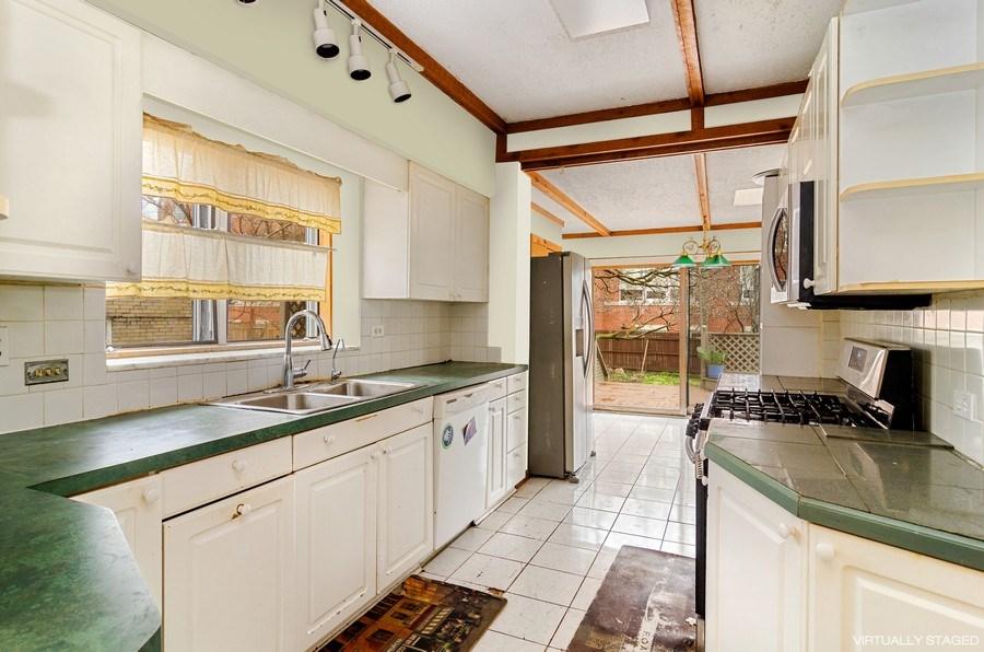 Real Estate Photography - 5801 N. Bernard Street, --------, Chicago, IL, 60659 - Kitchen