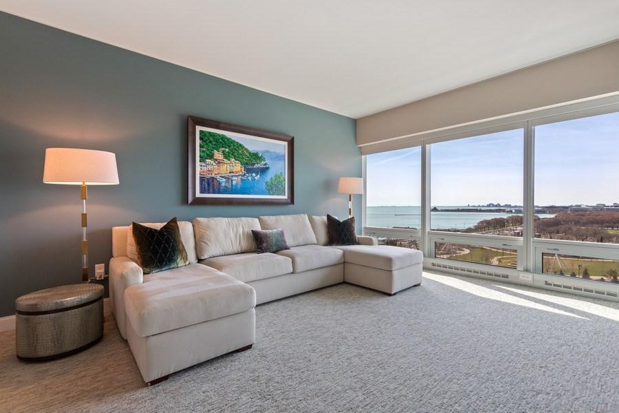 Real Estate Photography - 340 e randolph, 905, Chicago, IL, 60601 - Master Bedroom