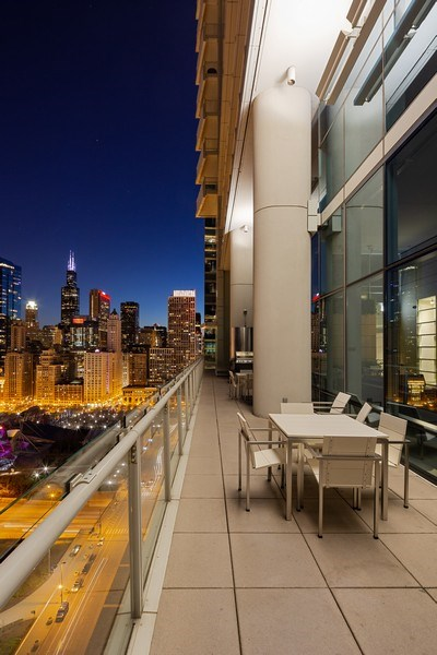 Real Estate Photography - 340 e randolph, 905, Chicago, IL, 60601 - View
