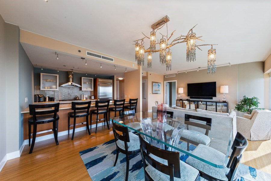 Real Estate Photography - 340 e randolph, 905, Chicago, IL, 60601 - Dining Room