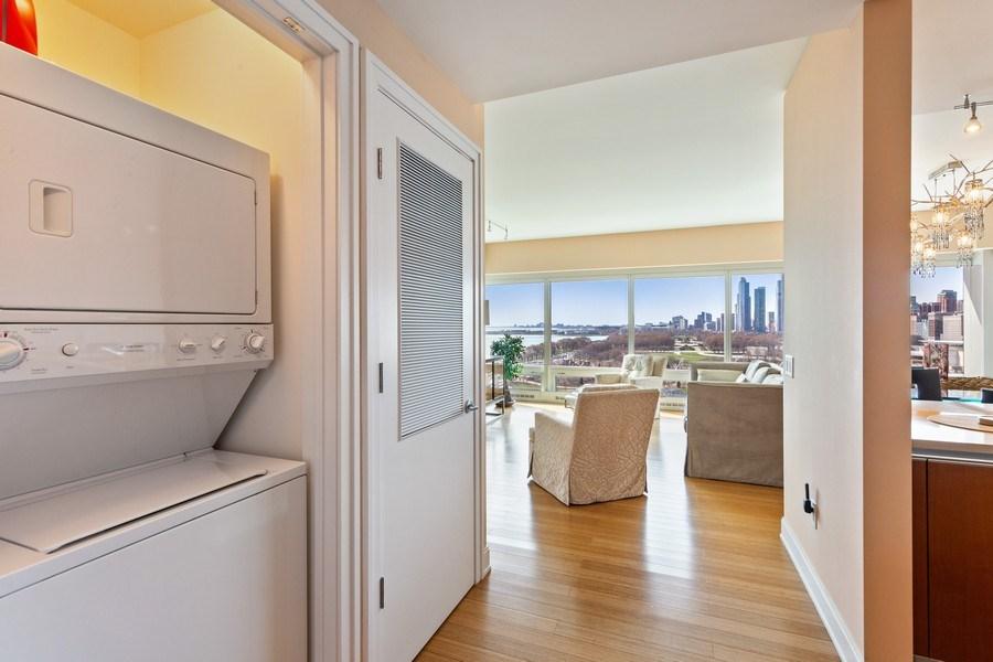 Real Estate Photography - 340 e randolph, 905, Chicago, IL, 60601 - Laundry Room
