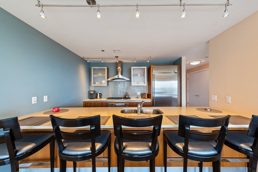 Real Estate Photography - 340 e randolph, 905, Chicago, IL, 60601 - Kitchen