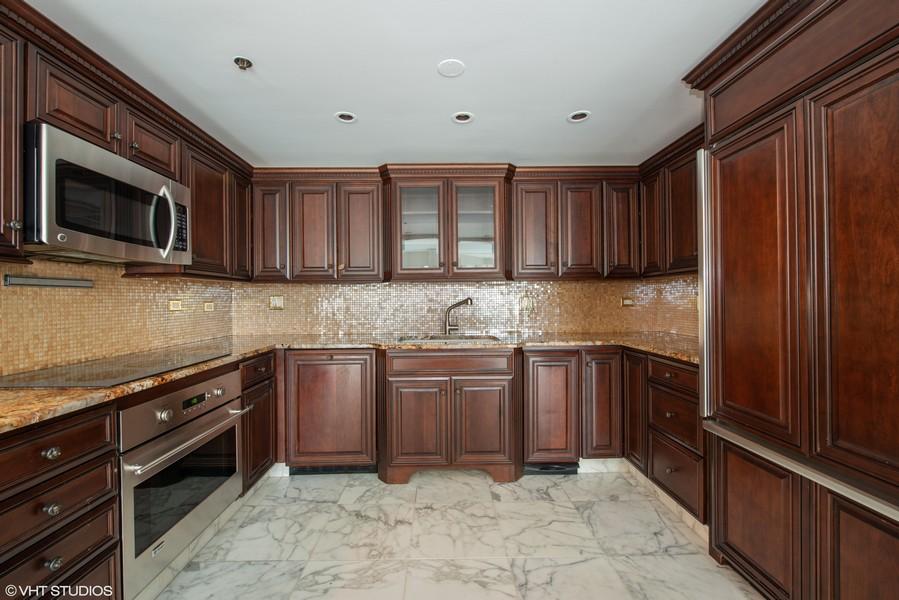 Real Estate Photography - 100 E Huron, 1104, Chicago, IL, 60610 -