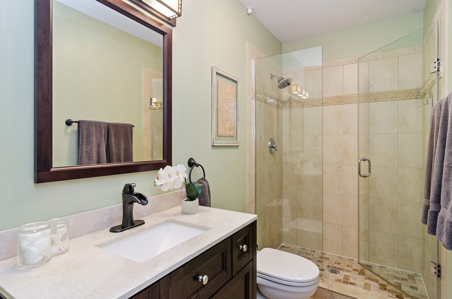 Real Estate Photography - 4619 N. Lawndale Ave #1, Chicago, IL, 60625 - Bathroom
