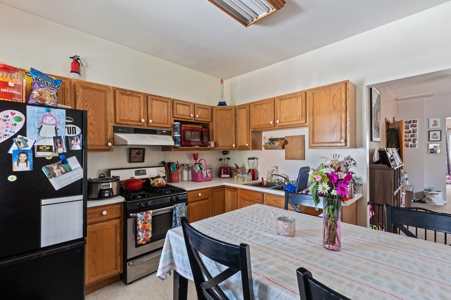 Real Estate Photography - 4523 S Lowe, Chicago, IL, 60609 - Kitchen