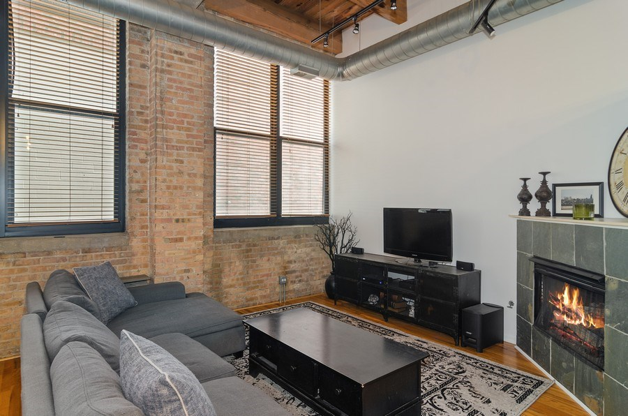 Real Estate Photography - 215 North Aberdeen #204B, Chicago, IL, 60607 - Living Room