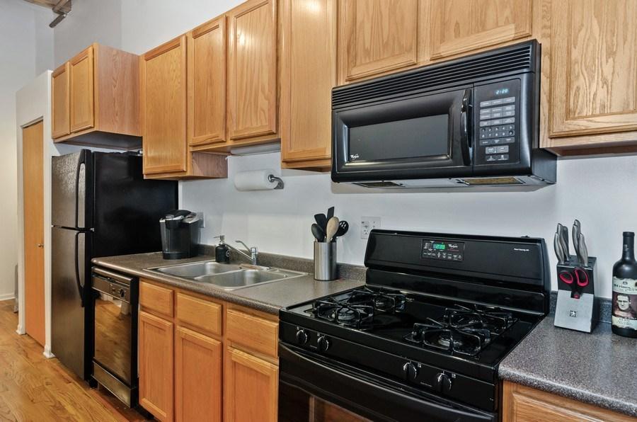 Real Estate Photography - 215 North Aberdeen #204B, Chicago, IL, 60607 - Kitchen