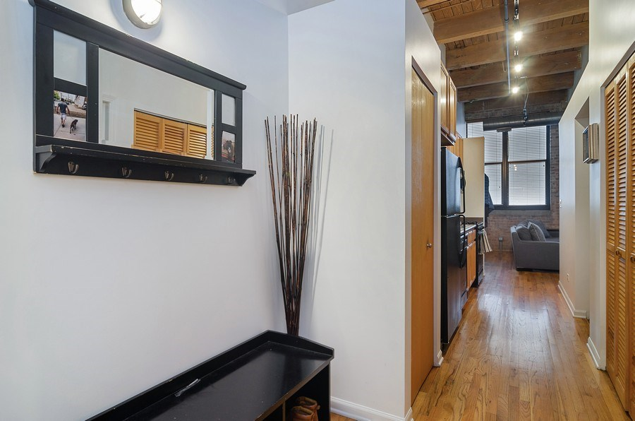Real Estate Photography - 215 North Aberdeen #204B, Chicago, IL, 60607 - Foyer