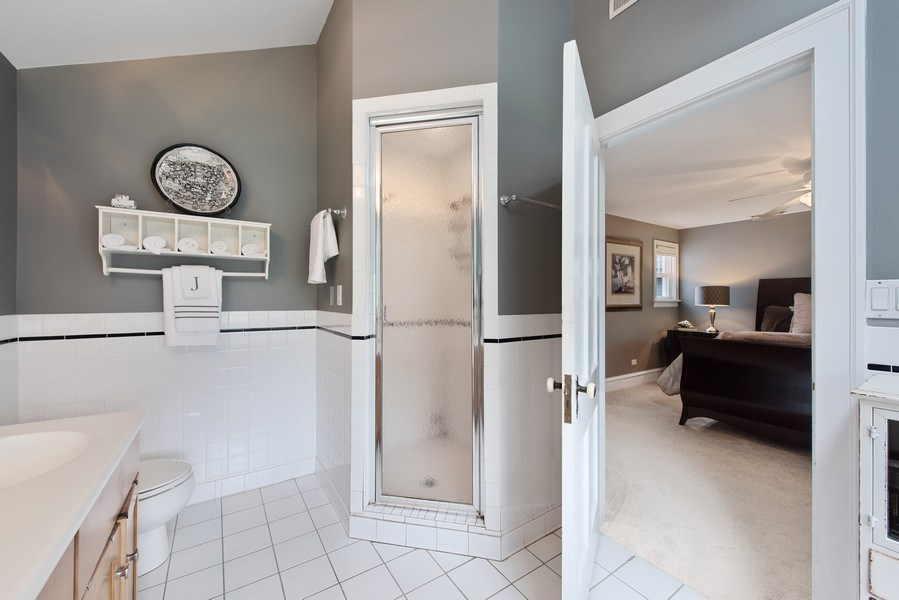 Real Estate Photography - 432 S Courtland Ave., Park Ridge, IL, 60068 - Master Bathroom