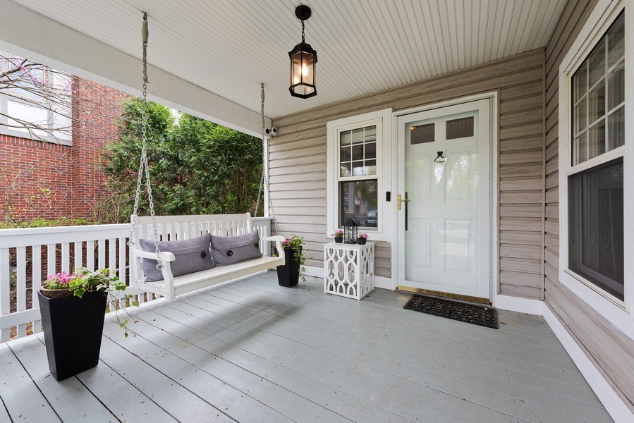 Real Estate Photography - 432 S Courtland Ave., Park Ridge, IL, 60068 - Porch