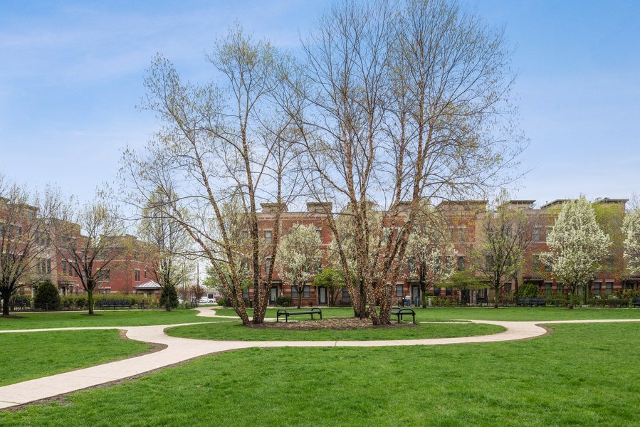 Real Estate Photography - 1012 N. Crosby, Chicago, IL, 60610 - Courtyard