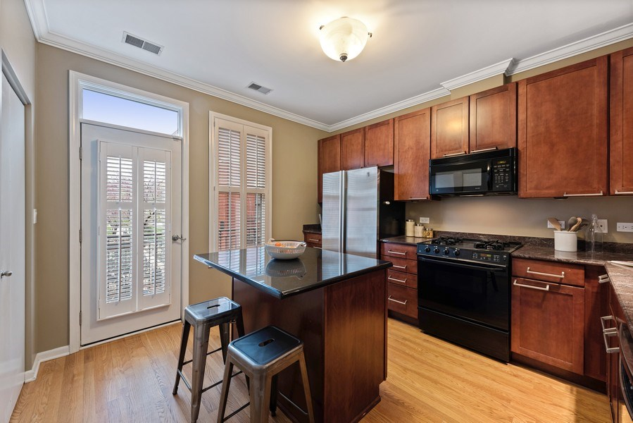 Real Estate Photography - 1012 N. Crosby, Chicago, IL, 60610 - Kitchen