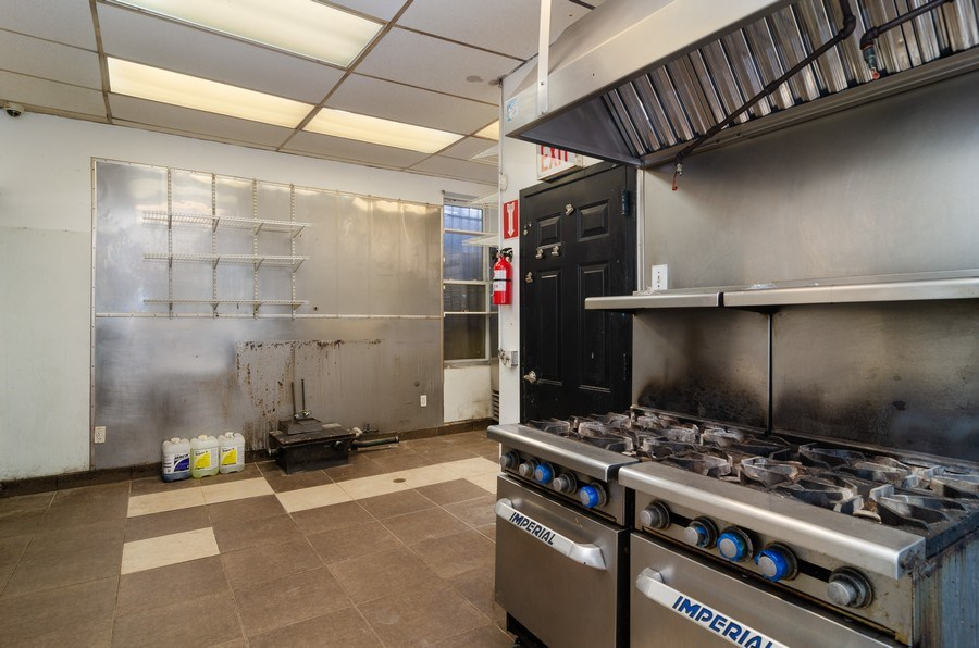 Real Estate Photography - 851 N. Ashland Ave., Chicago, IL, 60622 - Kitchen