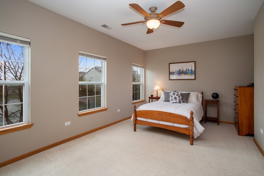 Real Estate Photography - 1283 W Lake St, #203, Addison, IL, 60101 - Bedroom