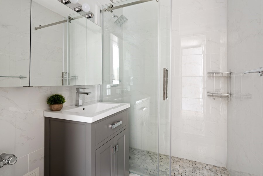 Real Estate Photography - 340 W Diversey Pkwy, unit 1416, Chicago, IL, 60657 - Master Bathroom