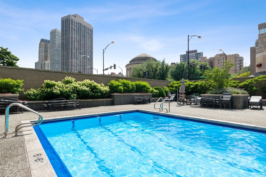 Real Estate Photography - 340 W Diversey Pkwy, unit 1416, Chicago, IL, 60657 - Pool