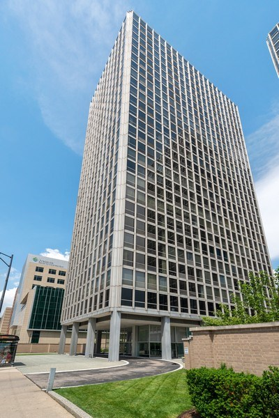 Real Estate Photography - 340 W Diversey Pkwy, unit 1416, Chicago, IL, 60657 - Front View
