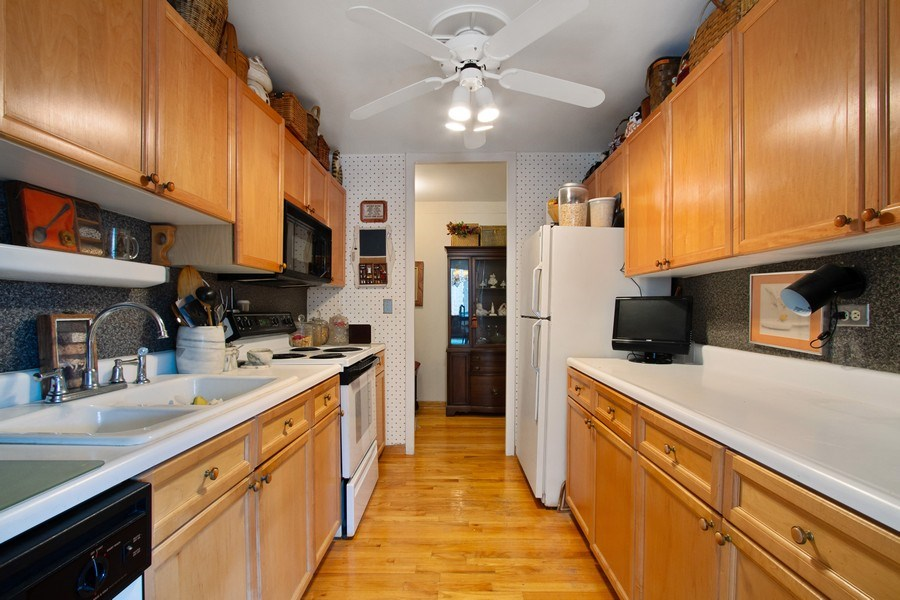 Real Estate Photography - 1700 E 56th St, Unit 802, Chicago, IL, 60637 - Kitchen