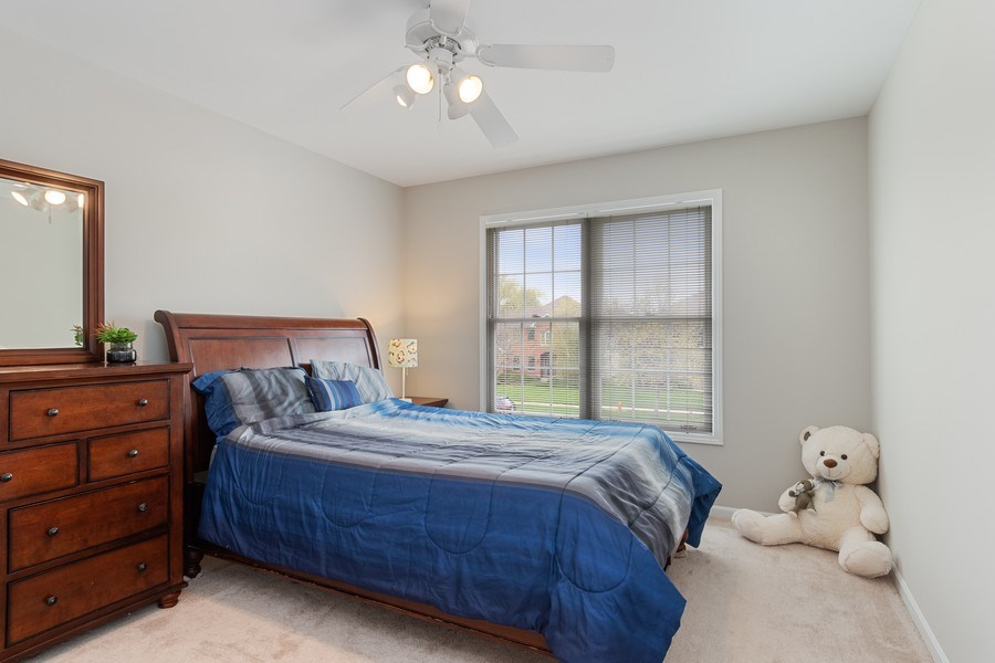 Real Estate Photography - 4924 Clearwater Ln, Naperville, IL, 60564 - 2nd Bedroom