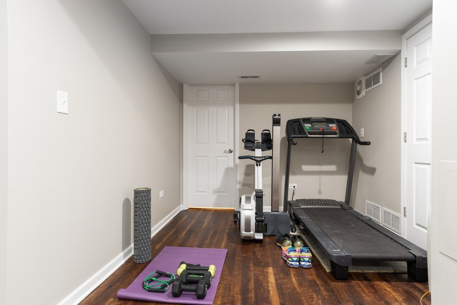 Real Estate Photography - 4924 Clearwater Ln, Naperville, IL, 60564 - Gym