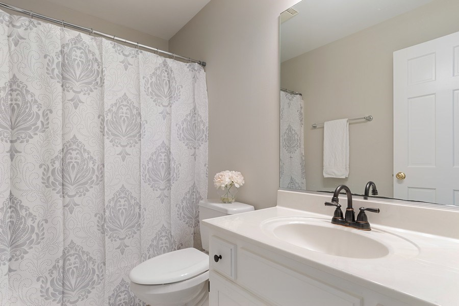 Real Estate Photography - 4924 Clearwater Ln, Naperville, IL, 60564 - 2nd Bathroom
