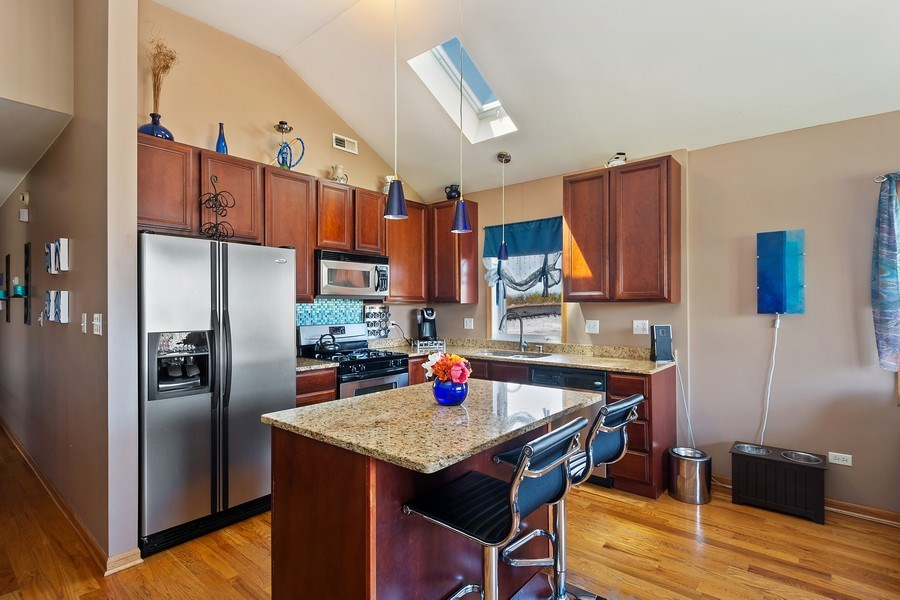 Real Estate Photography - 5516 S Indiana Unit 4, chicago, IL, 60615 - Kitchen