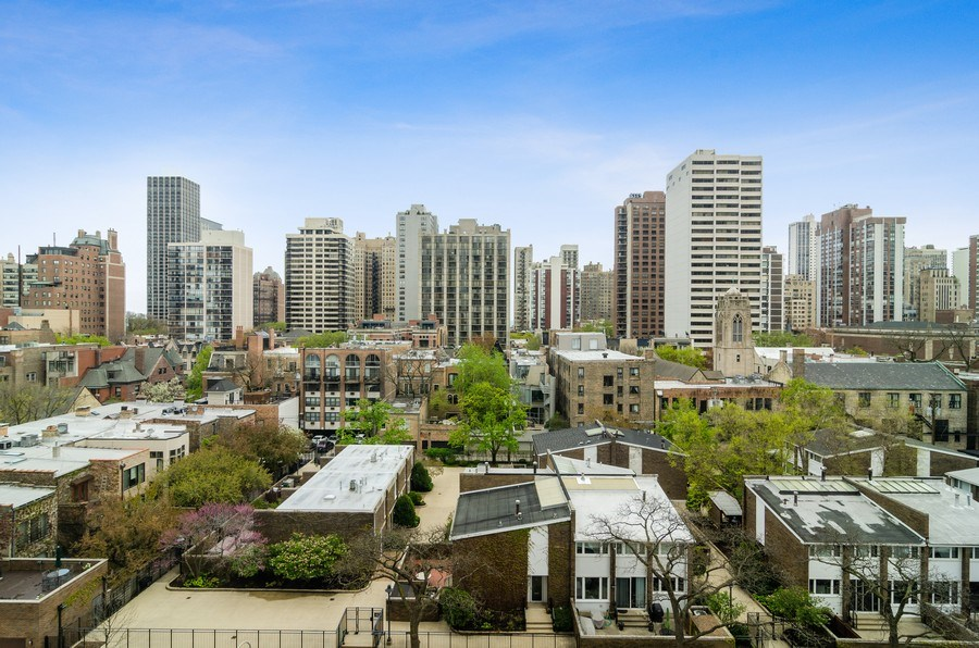 Real Estate Photography - 1455 N Sandburg Terrace, Unit 804, Chicago, IL, 60610 - City View
