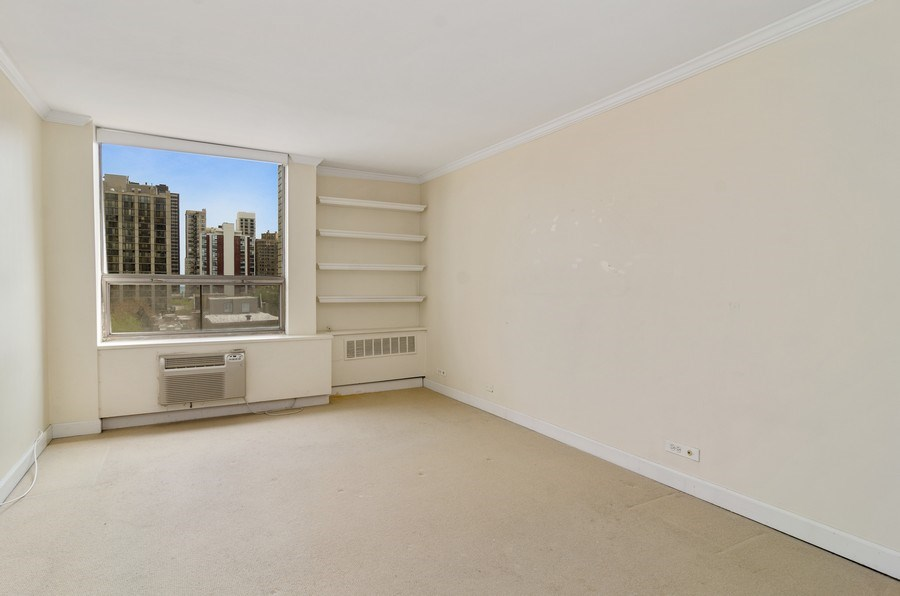 Real Estate Photography - 1455 N Sandburg Terrace, Unit 804, Chicago, IL, 60610 - Bedroom