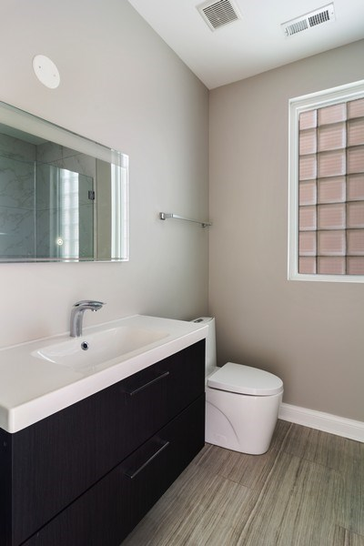 Real Estate Photography - 857 W Wrightwood Ave, Chicago, IL, 60614 - Bathroom