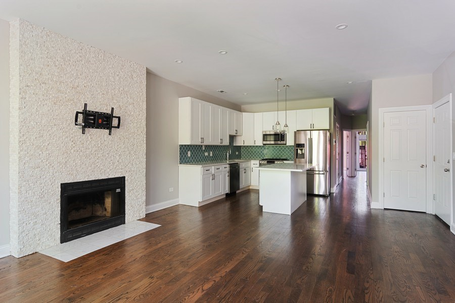 Real Estate Photography - 857 W Wrightwood Ave, Chicago, IL, 60614 - Kitchen / Living Room