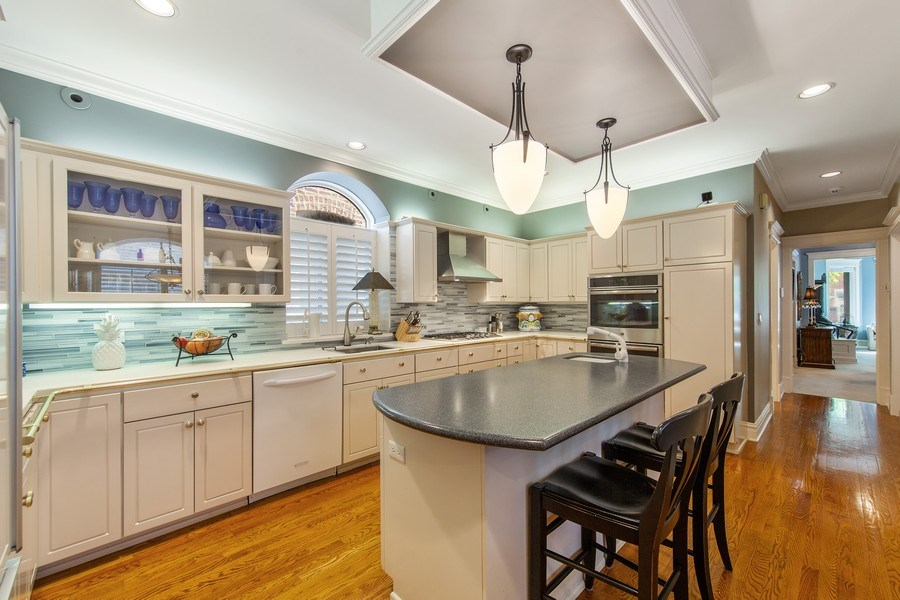 Real Estate Photography - 3224 S Union Avenue, Chicago, IL, 60616 - Kitchen