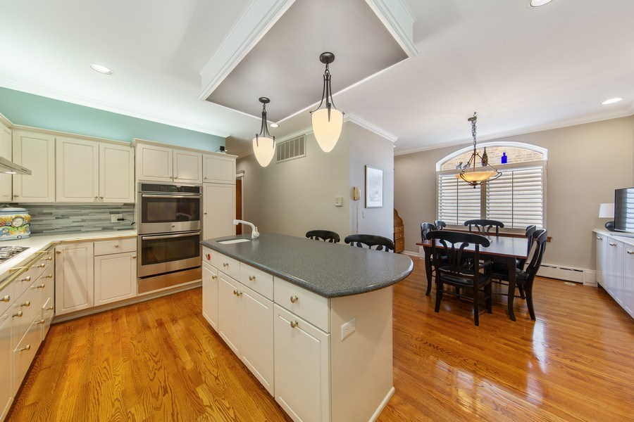 Real Estate Photography - 3224 S Union Avenue, Chicago, IL, 60616 - Kitchen / Breakfast Room