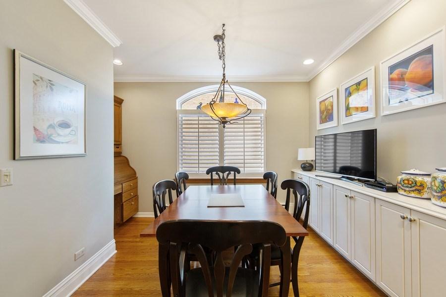 Real Estate Photography - 3224 S Union Avenue, Chicago, IL, 60616 - Breakfast Area
