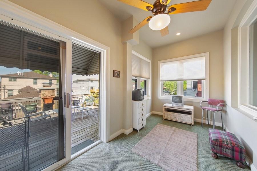 Real Estate Photography - 3224 S Union Avenue, Chicago, IL, 60616 - Porch